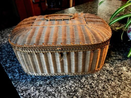 LOVELY ANTIQUE WOVEN SEWING BASKET W/ PURPLE TUFTED SATIN LINING & BITS & BOBS!