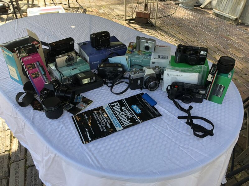 Lot of Vintage Cameras Film & Digital (Canon, Nikon, Fujifilm, Hanimex)