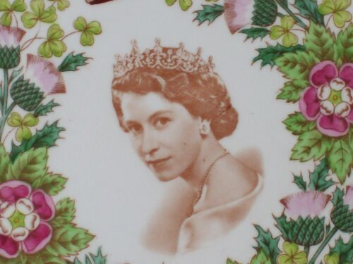 TUSCAN Fine Bone China Queen Elizabeth Coronation Plate 1953 *ONE OF THE BEST*