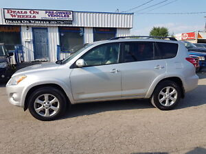 2009 Toyota RAV4 Limited  SUNROOF, LEATHER INTERIOR.