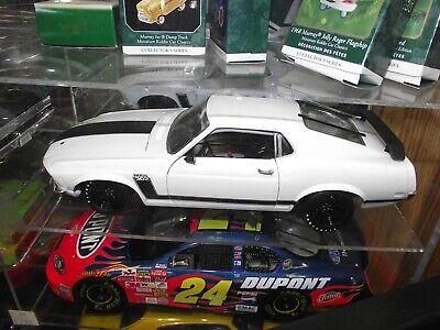 Acme 1/18 1970 Ford mustang boss 302 street version 1-354 NIB