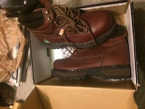 Brand New WorkLoad safety boots size10