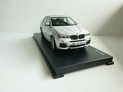 BMW X4 F26 1/18 gris glacier silver Paragon DEALER