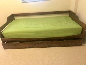 Twin Bed Frame with pull-out bed