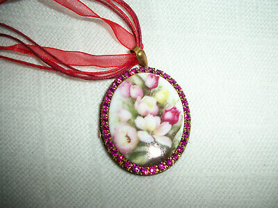 NECKLACE PENDANT 30x40mm TULIPS PORCELAIN CAMEO PICTURE LOCKET BRASS & CRYSTAL