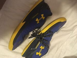 Curry 1 Good condition $80 size 12.5