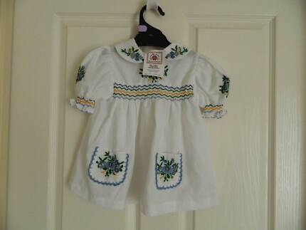 Toddler Girl Embroidered Short Sleeve White Dress Size 98-104cm,