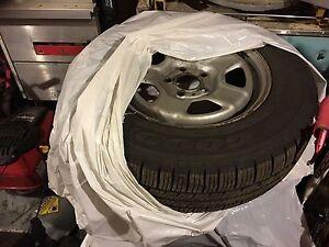 4 pneus 4 saisons avec rims goodyear Eagle 205 70 R16