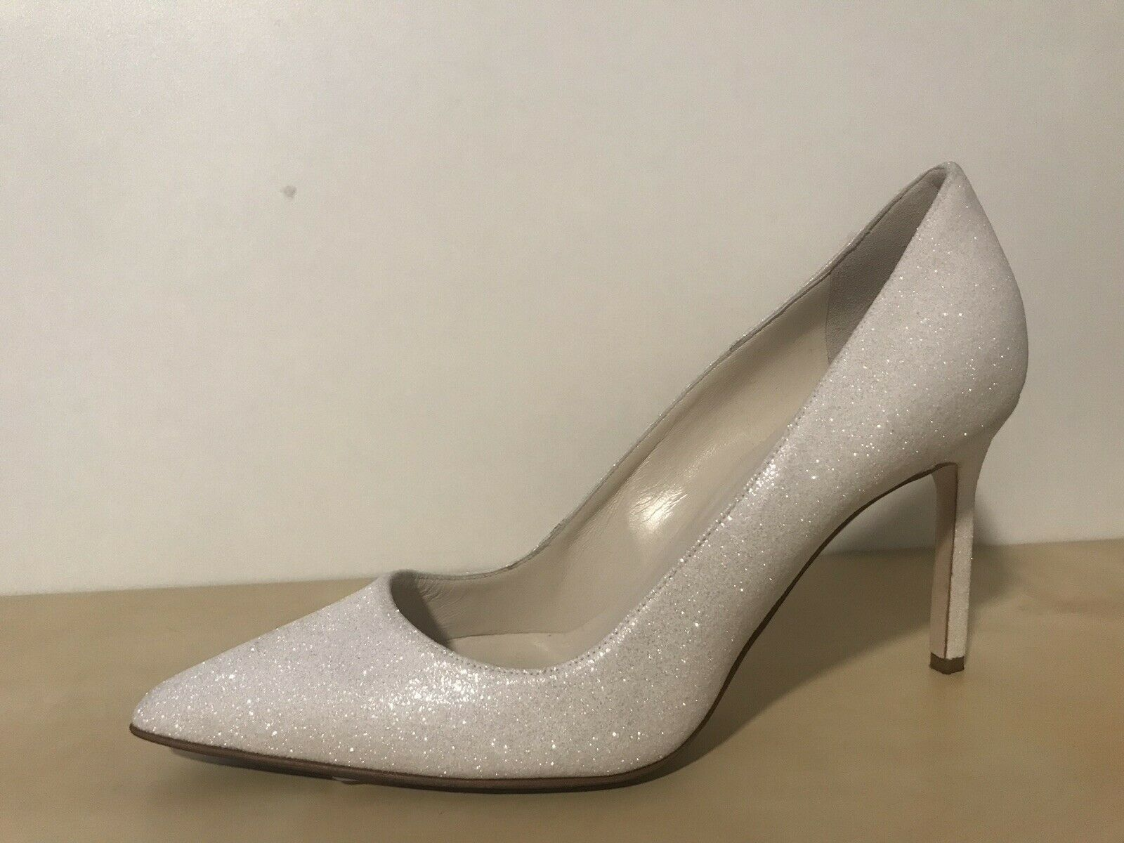 695 Manolo Blahnik BB 90 White Glitter Pointed Toe Pump Shoes 38 Eur 75 US