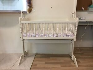 Baby Cradle (used) Beaconsfield Fremantle Area Preview