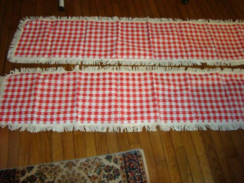 """RARE 1950 VINTAGE RED & WHITE CHECKED PICNIC TABLE BENCH COVER 13"""" X 72"""" PLASTIC"""