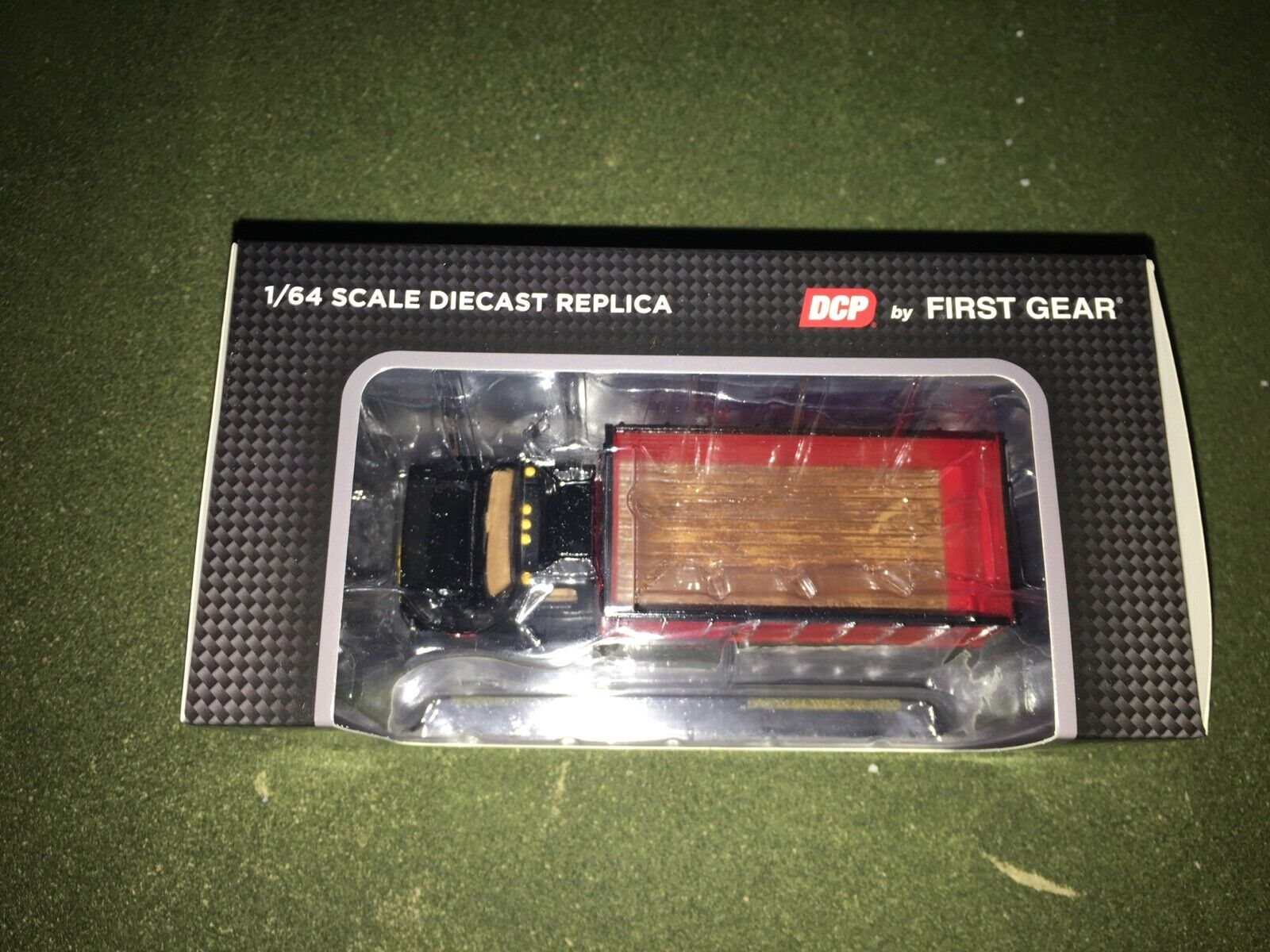 1/64 DCP BY FIRST GEAR BLACK/RED CHEVY C65 TANDEM AXLE GRAIN TRUCK 10