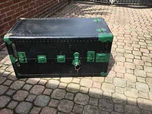 Old steamer trunk in good condition