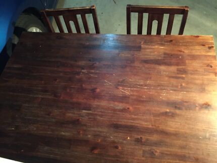 dinning table and 3 chairs (4th needs repair)