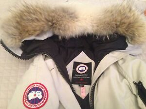 Vrai canada goose taille small very clean
