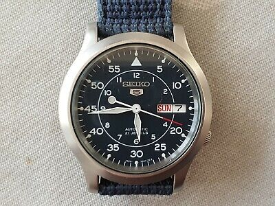 Vintage mens-style Navy Blue Seiko automatic watch 7S26