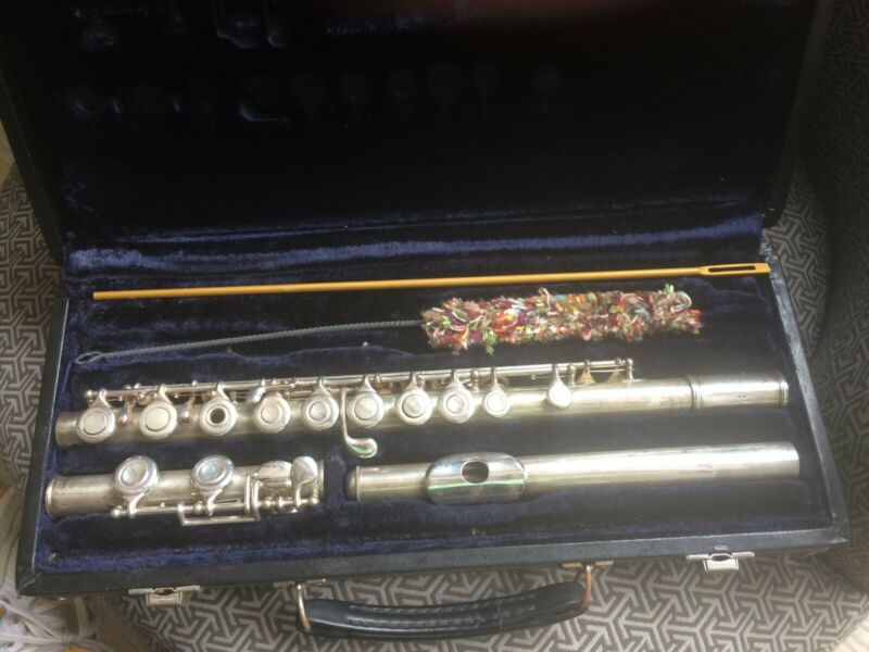 Artley Flute,Silver used open-hole(with inserts) ,Nogales,Arizona 8-0, with case