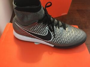 Nike magistax proximo Ic size9.5 soccer shoes