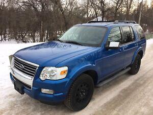 2010 Ford Explorer XLT 4x4 81km Bonus Winter tires