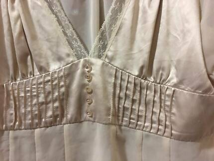 Lacy Blouse cream size 14