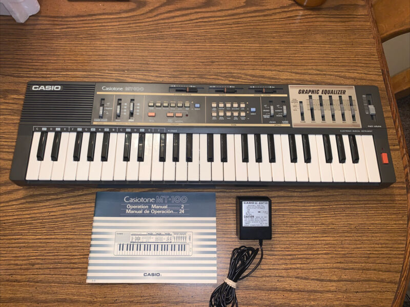 CLEAN Casio MT-100 Casiotone Keyboard Synthesizer Graphic Equalizer Ex.Cond