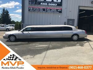 2007 Lincoln Town Car Ultra Stretch Limo