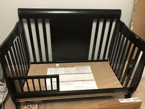 3 in one crib  and mattress