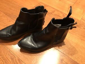 Old navy boots size 13