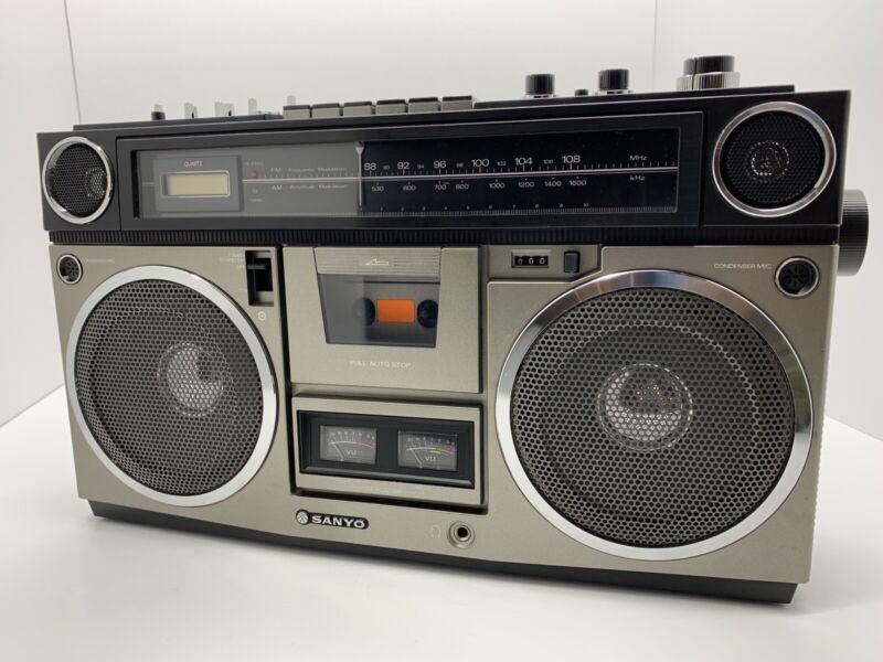Vintage SANYO M 9990 Boombox AM/FM Cassette Radio - Beautiful Condition