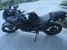 Near new 2012 Ninja 250r, Only 1170km Essendon Moonee Valley Preview