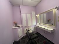 Salon chair rent for hairstylist