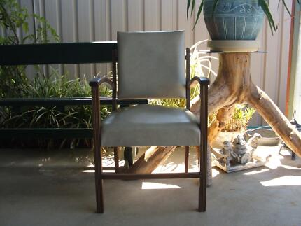 Swing back  chair Wagga Wagga 2650 Wagga Wagga City Preview