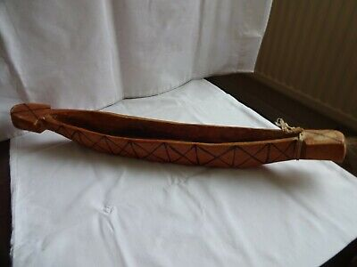 VINTAGE HAND CARVED DUG OUT NATIVE CANOE LENGTH 52 cm