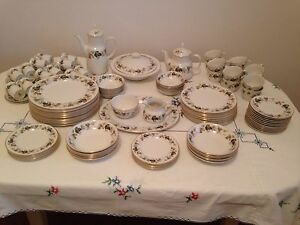 Royal Doulton Dinner Set Fawkner Moreland Area Preview