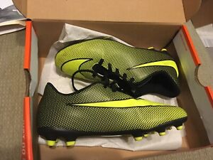 Child's size 4 cleats