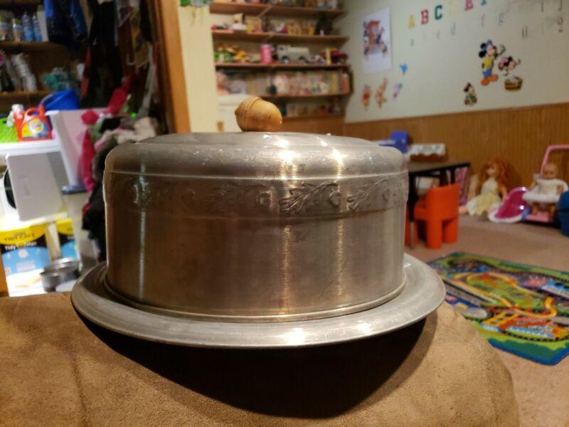 VTG MCM West Bend Aluminum Cake Saver Plate & Cover W/ Wooden Acorn Handle