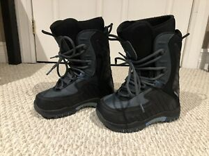 Snowboard boots size 5 youth