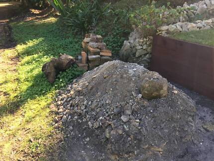 Free Fill - Clean Sandstone + some old pavers & bricks