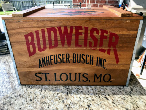 Budweiser Wooden Beer Crate Box Hinged Lid Anheuser-Busch Since 1876