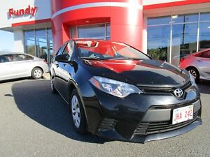 2014 Toyota Corolla LE w/Front Heated Seats, Backup Cam, and Blu