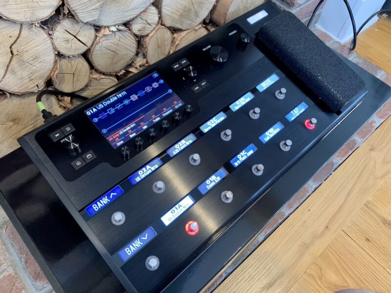 Line 6 Helix 3.0 Fresh Update . Multi-Effects Guitar Pedal Excellent condition
