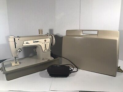 Vintage Singer Zigzag Sewing Machine Model 237 W/case and Foot Pedal