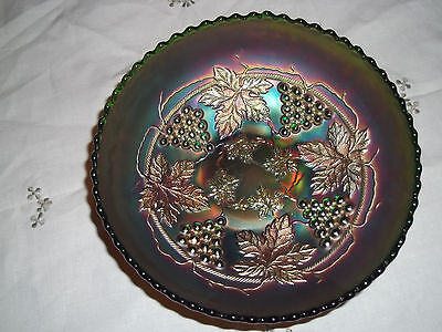 "ANTIQUE FENTON GRAPES VINE LEAVES 'VINTAGE' GREEN CARNIVAL GLASS 7.6"" BOWL DISH"