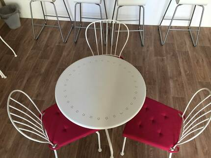 Iron coffee tables and chairs, 99% new from IKEA. Hurstville Hurstville Area Preview