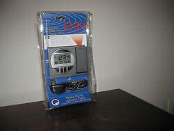 LaCross Technology Atomic Projection Alarm Clock Radio Controlled NIP