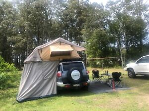 ARB Simpson rooftop tent with annex
