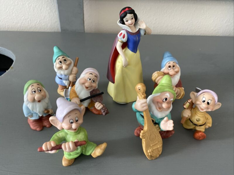 Vtg Disney Sri Lanka Snow White &  7 Dwarfs Porcelain Figurines See Desc