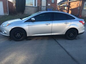 **2012 Ford Focus SE $3800 OBO** MOVING-MUST GO!!**