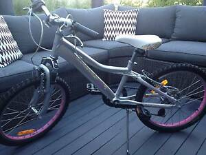 """Girls Giant Mountain Bike 20"""" Karrinyup Stirling Area Preview"""