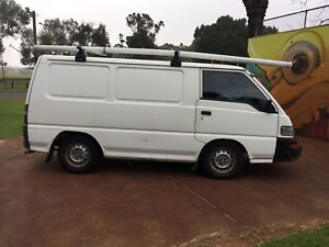 2009 Mitsubishi Express Van $5490 ( ATTENTION ALL TRADIES! )